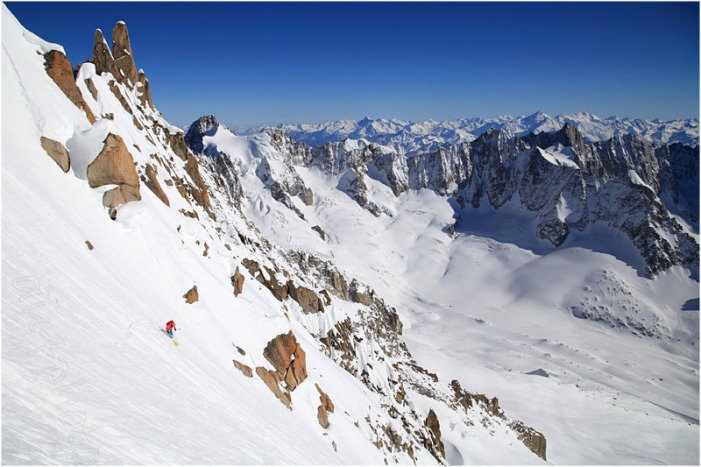 Skiing the Whymper couloir on the Aiguille Verte  ©B.Dufour