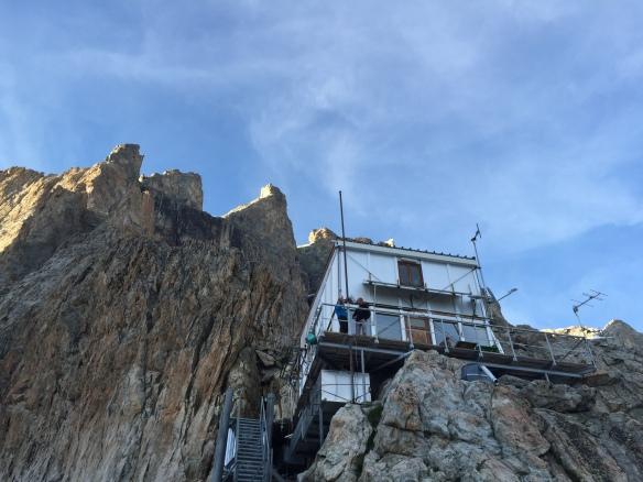 Le refuge du Promontoire, haut perché. Un grand merci à Nathalie et Frédi Meignan pour leur accueil et leur excellente cuisine :)