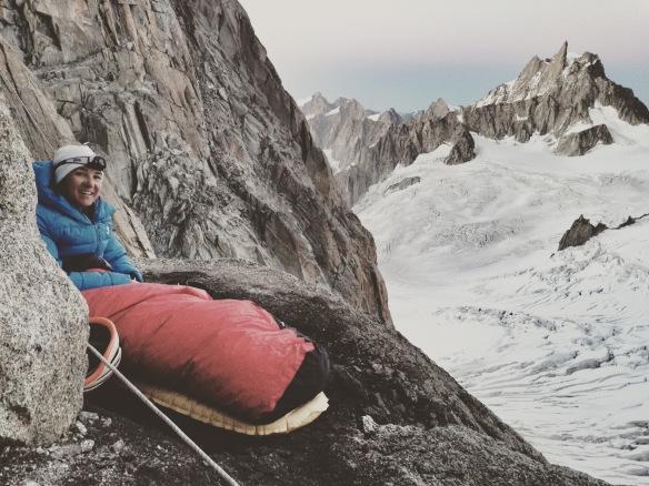 Et moi aussi tout sourire, rien de tel qu'un beau bivouac en montagne...  Photo : Bertrand Delapierre