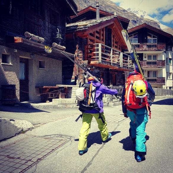 Retour à la civilisation à Zermatt ©Lorraine Huber
